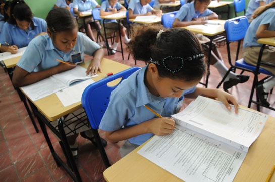 Niños y su educación en crisis